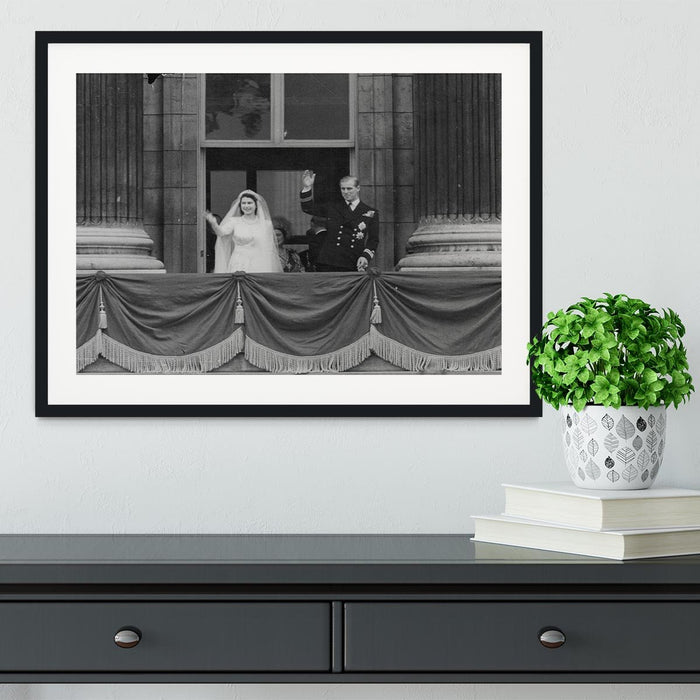 Queen Elizabeth II Wedding the couple wave from the balcony Framed Print