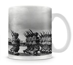 Soldiers marching in formation Mug - Canvas Art Rocks - 1