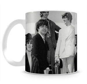 The Beatles leaving London Airport Mug - Canvas Art Rocks - 2