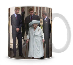 The Queen Mother on her 101st Birthday with family Mug - Canvas Art Rocks - 1