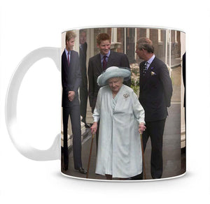 The Queen Mother on her 101st Birthday with family Mug - Canvas Art Rocks - 2