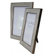 Load image into Gallery viewer, Dorset Picture Frames Gold