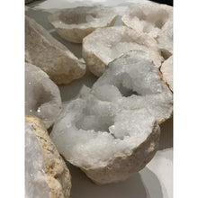 Load image into Gallery viewer, Quartz Crystal Large