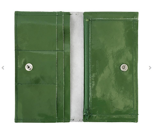 Sarah Wallet - Patent Monstera