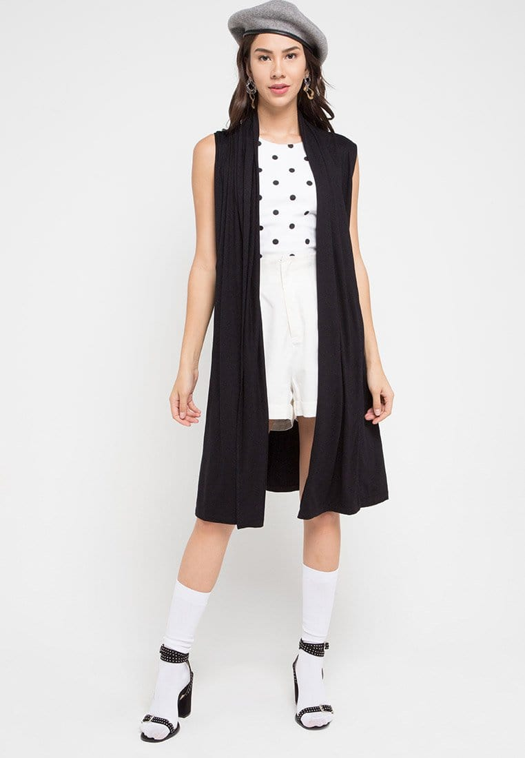 FO002 Outer Sleeveless Black