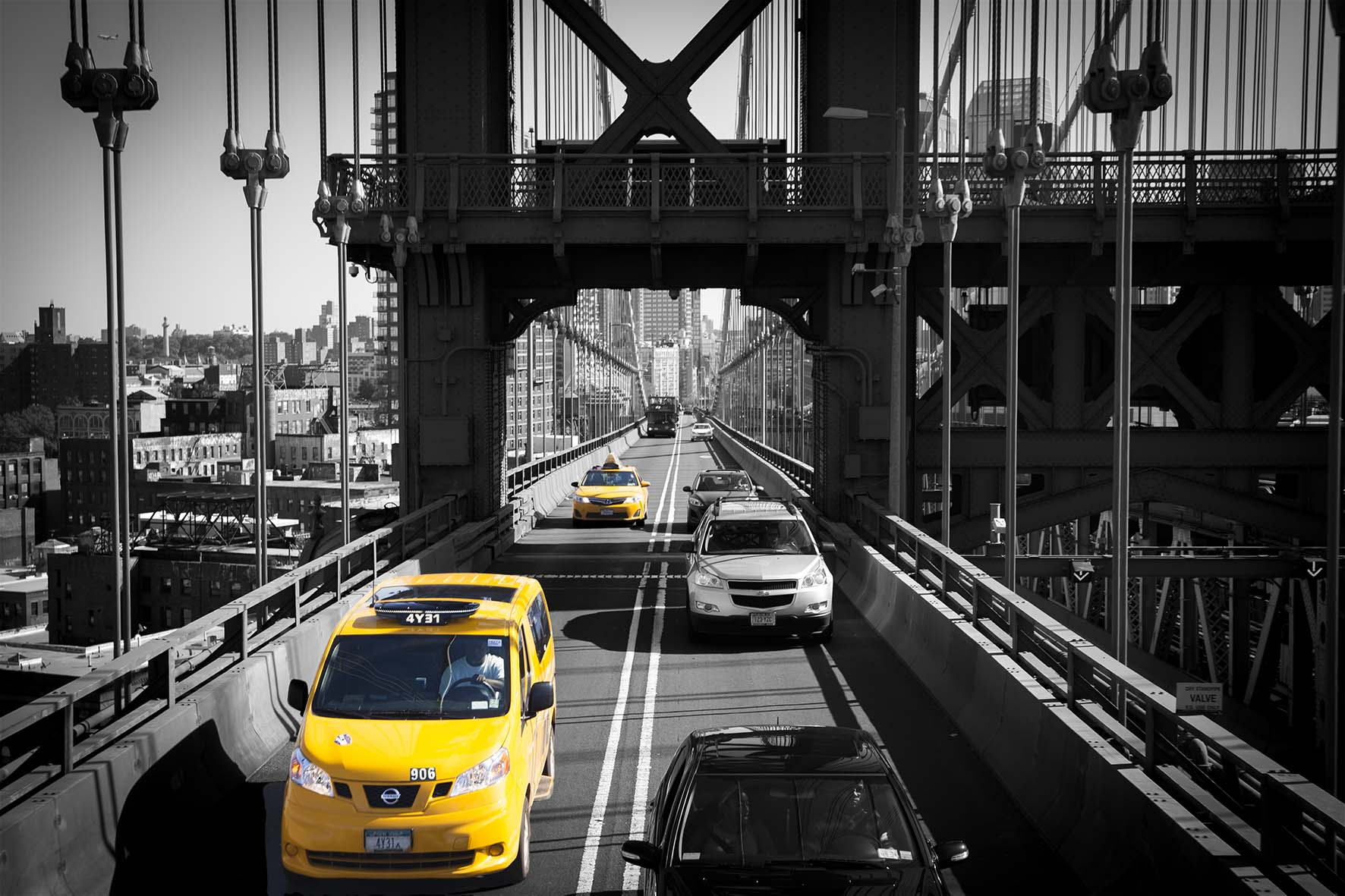 Manhattan Bridge Taxi, New York | Special edition Art Print on Aluminium