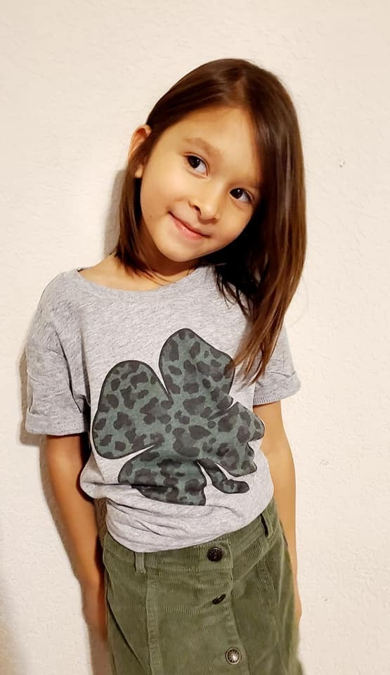 KIDS & ADULTS - Leopard Clover Tee