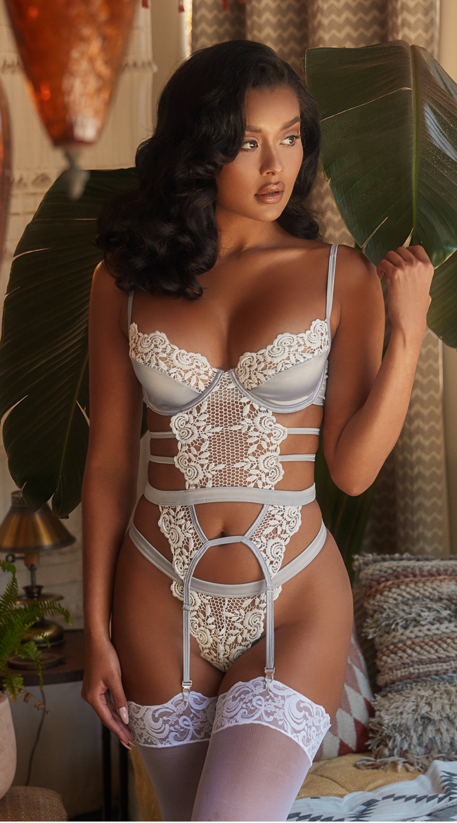 Enchant Embroidery Bustier Set