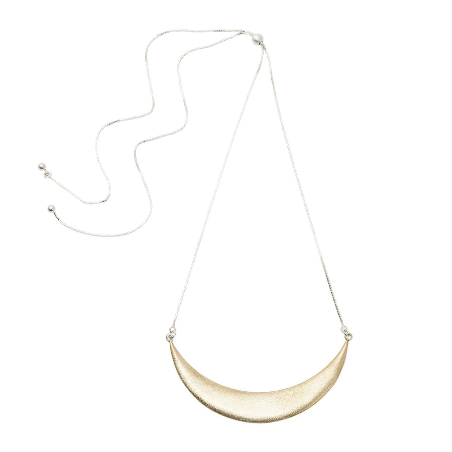 Minimalist statement necklace in gold