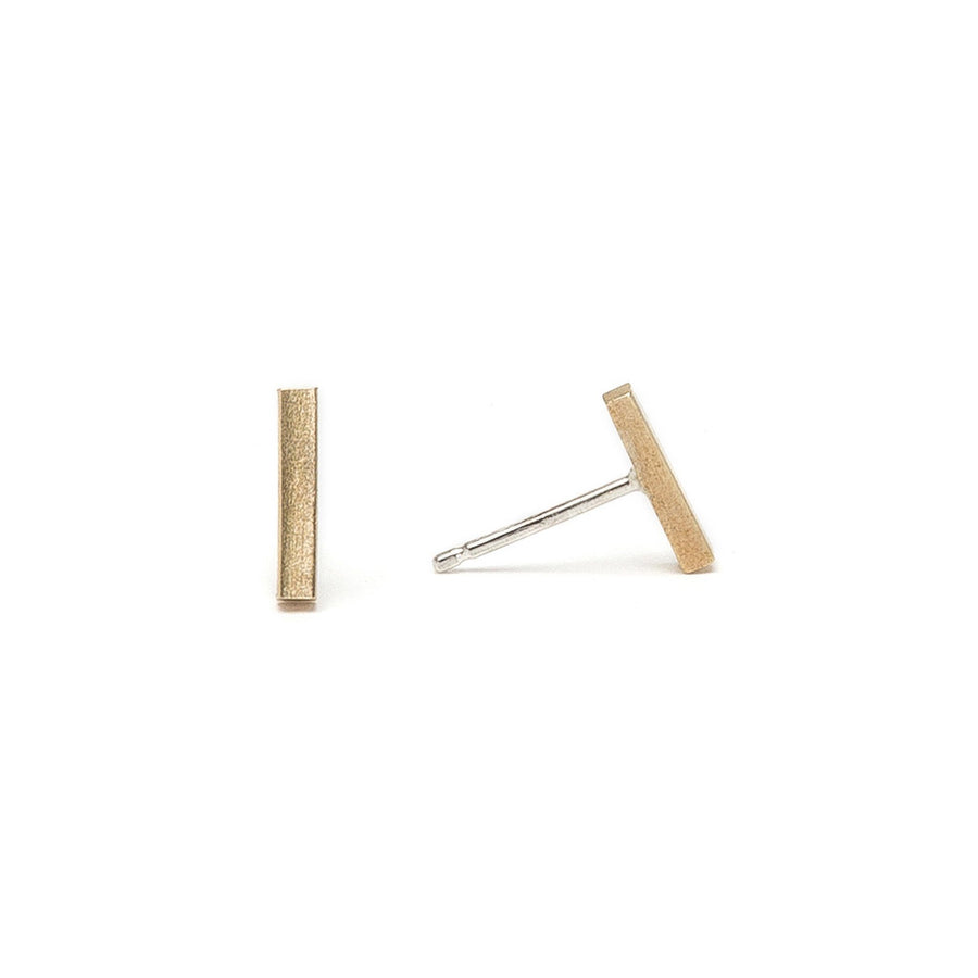 Minimalist short gold bar earrings