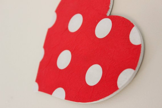 Wooden Polka Dot Hanging Heart - Red - Country & Shabby details