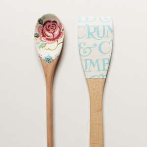 Wooden spoons 'ROSES & BEE' - Set Of 2 - Country & Shabby details