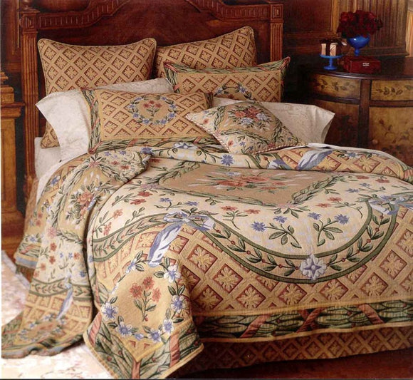Traditional Tapestry Bedding