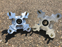 Load image into Gallery viewer, BILLET FRONT HUBS For Honda TRX 450R & TRX 400 by R.A.D - Rad Parts