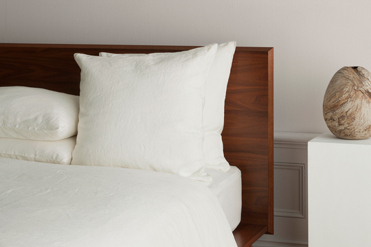 ISE - LUXURY ORGANIC BELGIAN LINEN PILLOWCASES PILLOWS AND SHEETS AND COVERS ON THE BED