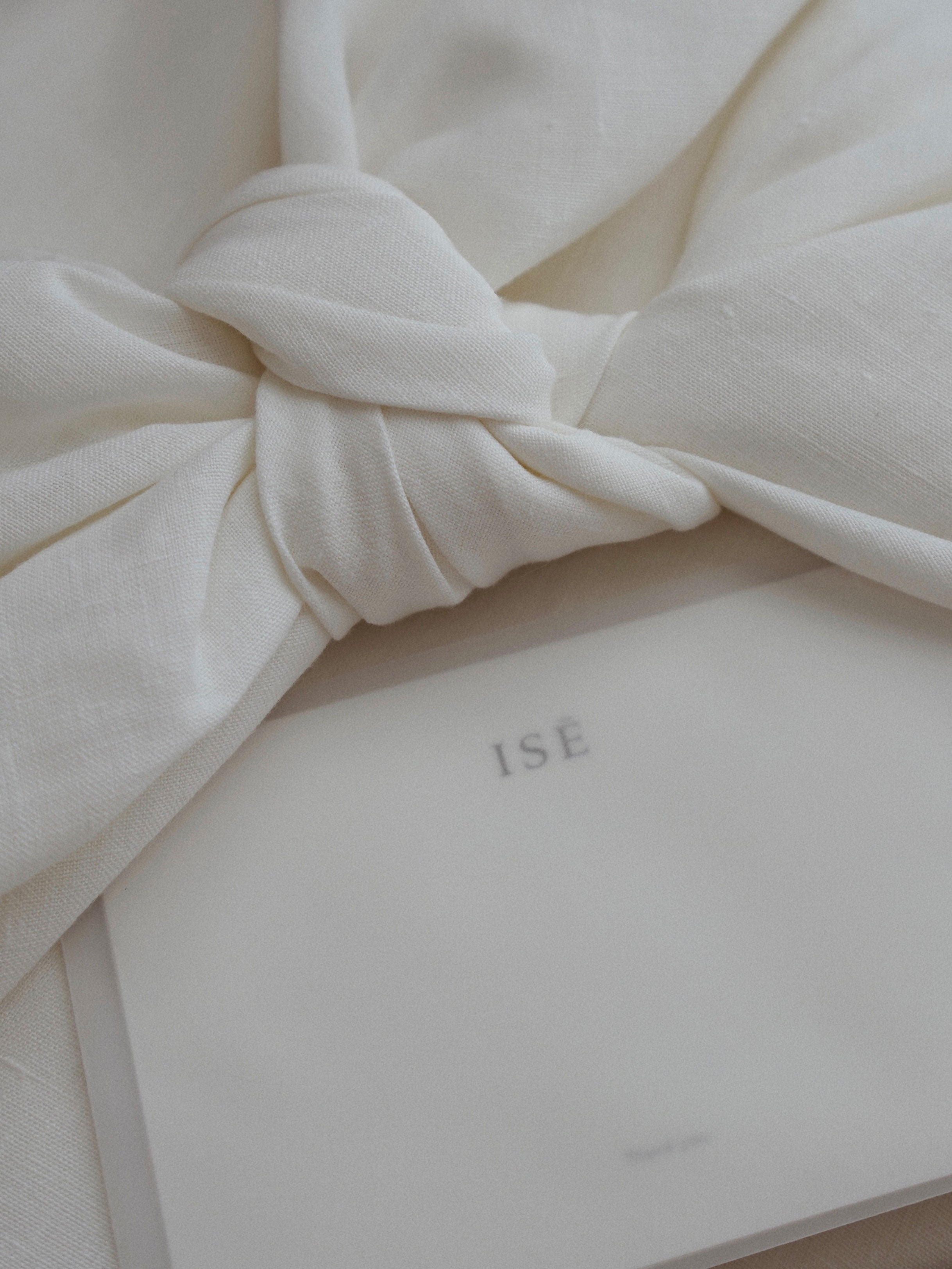 Saasha Burns Mother's Day Interview - ISE Belgian linen sheets wrapped sustainably | ISĒ