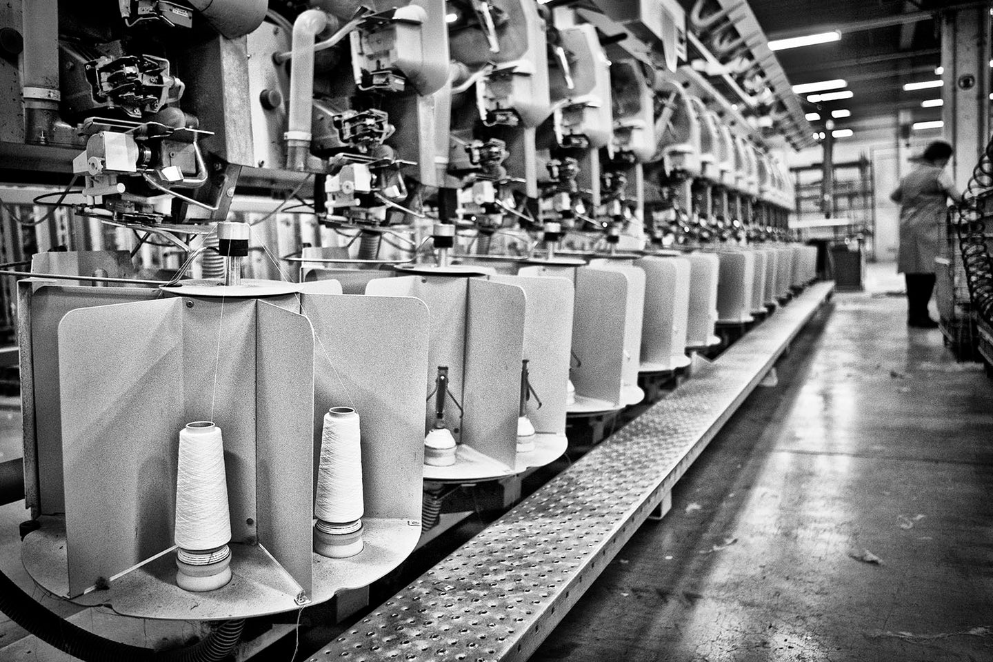ISE - CARBON NEUTRAL ORGANIC FACTORY FABRIC MILL IN BELGIUM PRODUCING BELGIAN LINEN BED SHEETS AND DUVET COVERS