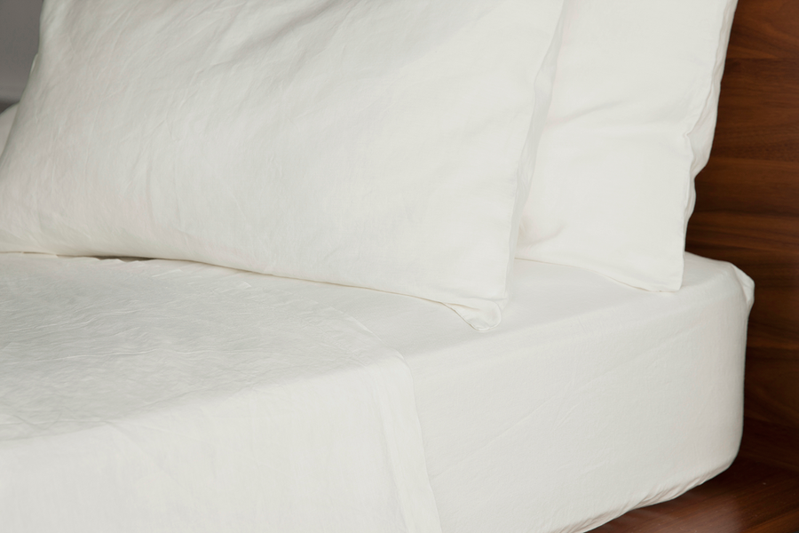 ISE sustainable natural white GOTS organic Belgian linen bed linen fitted sheet with thick elastic casing for perfect fit