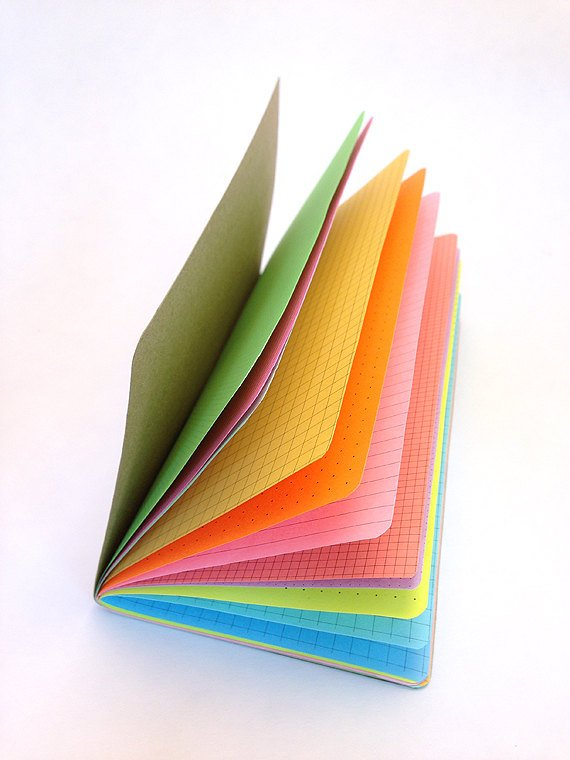 TRAVELERS NOTEBOOK INSERT - MULTI-COLOR RAINBOW