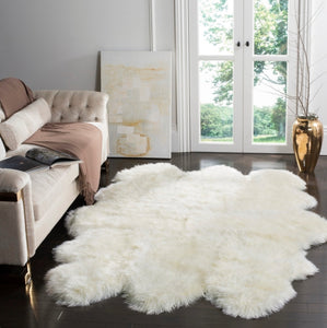 "White Natural Sheepskin Rug | 5'5"" x 7'7"""