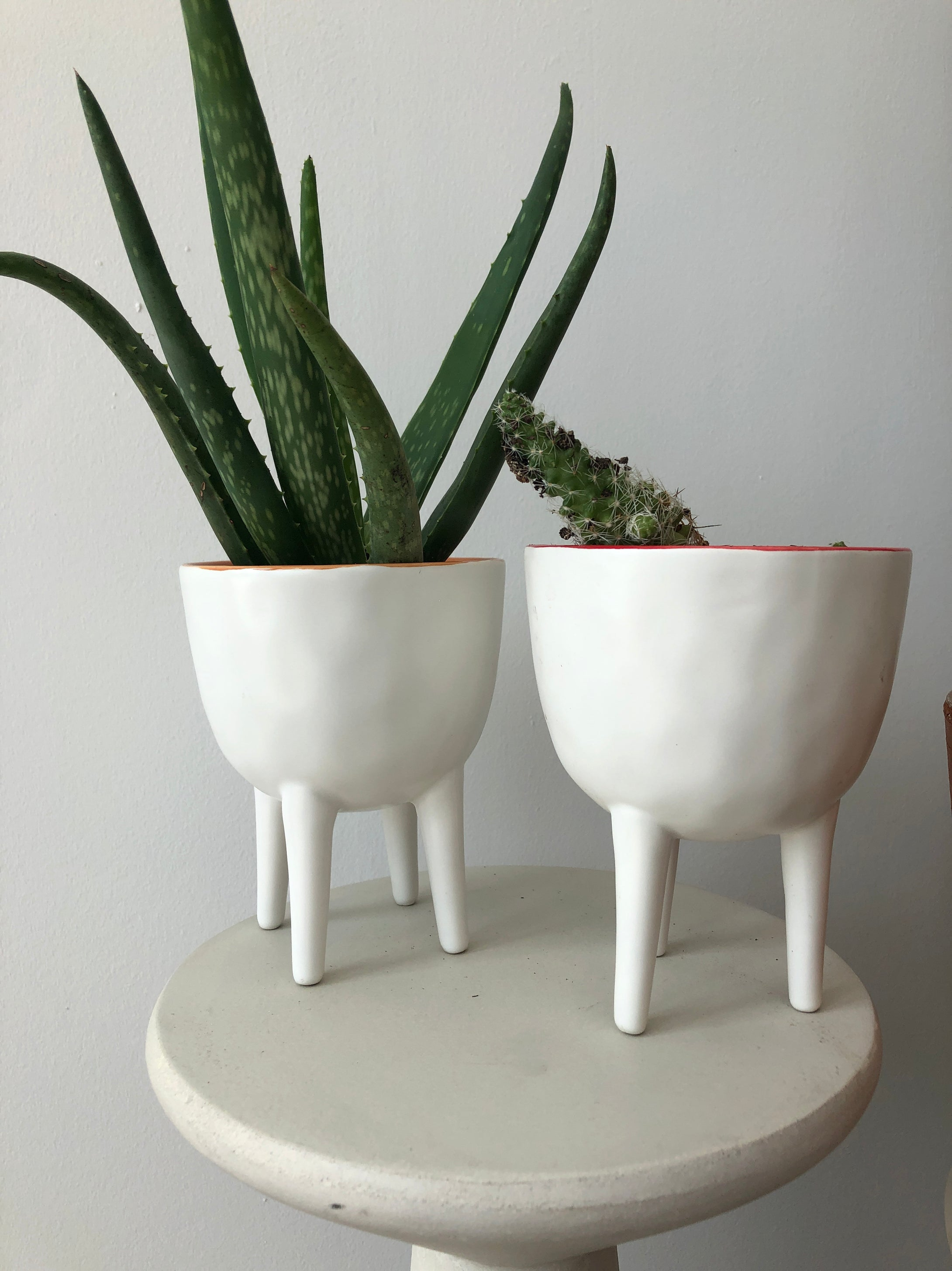 Ceramic White 4 Legged Pots