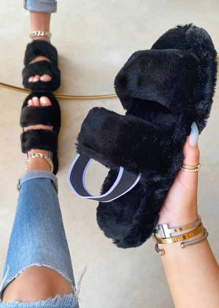 SO FLUFFY BLACK SLIDES
