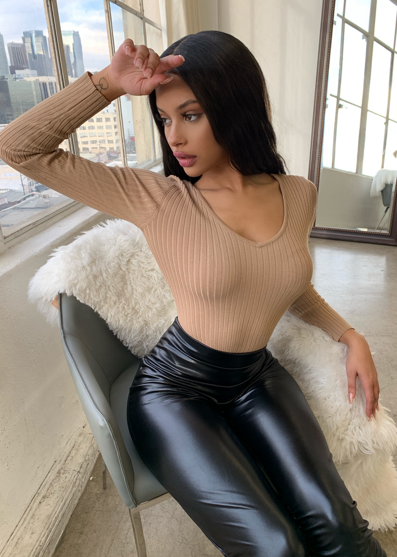 MY FAVORITE RIBBED TAUPE BODYSUIT