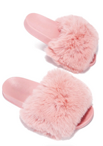 SNUGGLE BLUSH FAUX FUR SLIDE