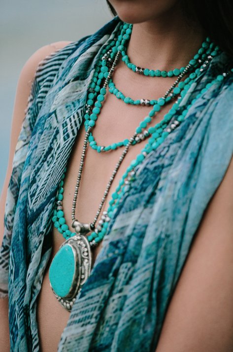 Turquoise%2Bstrand%2Bwith%2Bturquoise%2Bboho%2Bcloseup.png