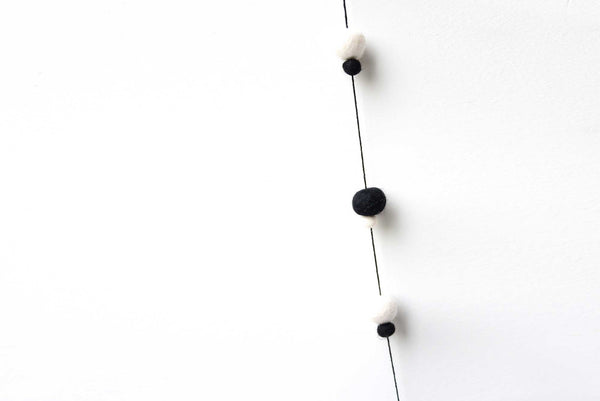 Felt Ball Garland l Black & White