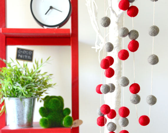 Felt Ball Garland l Red Valentine