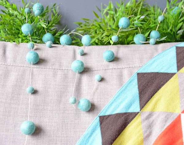 Felt Ball Garland l All Mint Blue