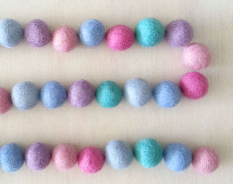 Felt Ball Garland l Pastel Purple