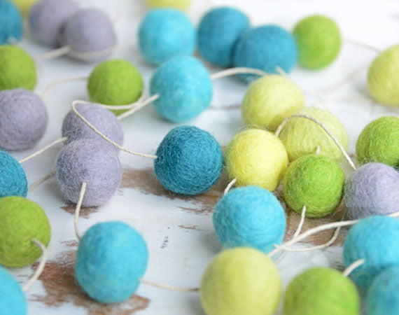 Felt Ball Garland l Mint Green