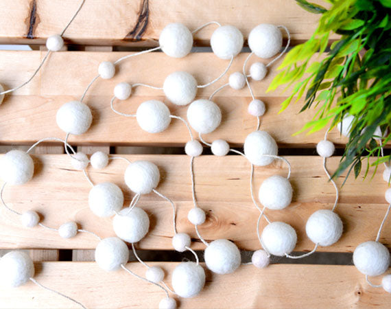 Felt Ball Garland l All White