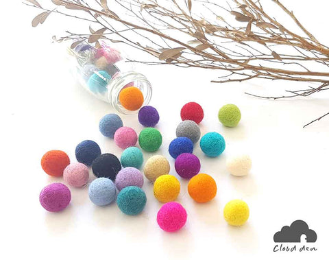 2.5cm Felt Balls x50 Pom Poms. DIY Craft Supplies. Wool. Colourful. Handmade. Beads.