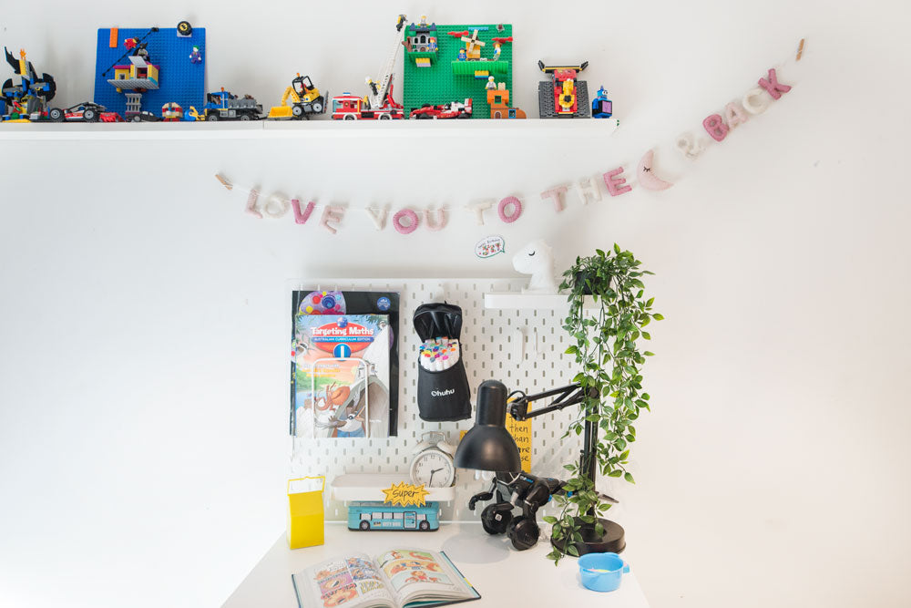 LOVE YOU TO THE MOON & BACK Garland  l Pink