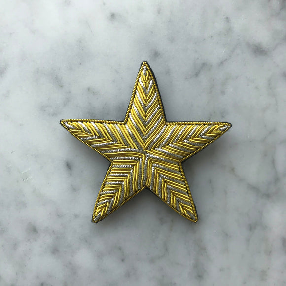 The Small Star Brooch - 2 Golden Lines