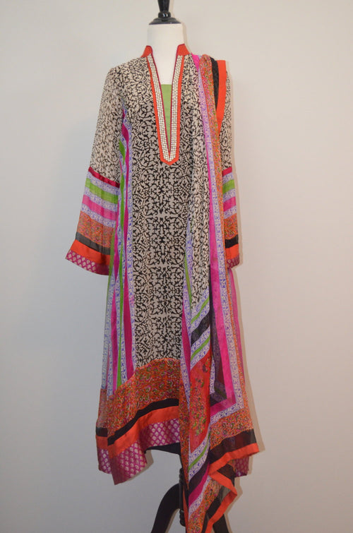 Printed desi kurta and dupatta