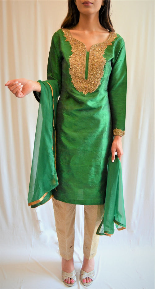 Chiffon shirt with plain dupatta and pants