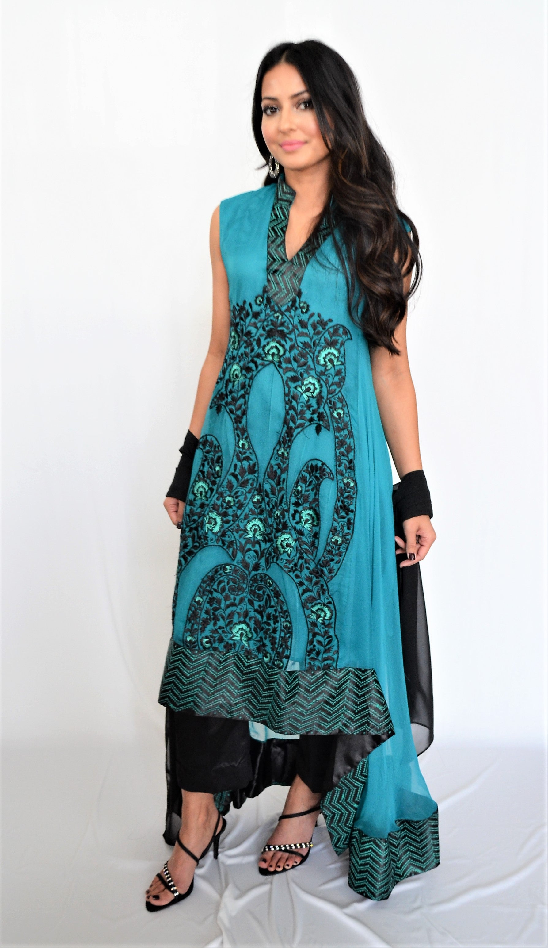 Sadia Tariq Blue Green Suit