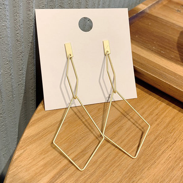 Gold Matte Symmetrical Stament Earring
