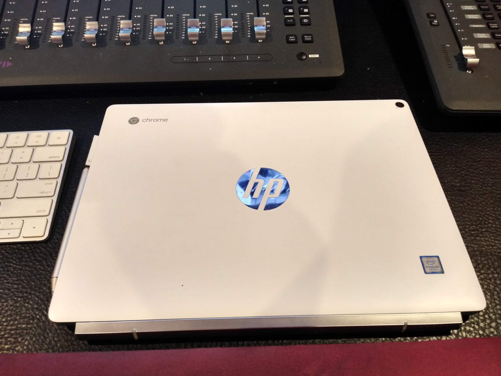 HP comes out swinging with the Chromebook X2