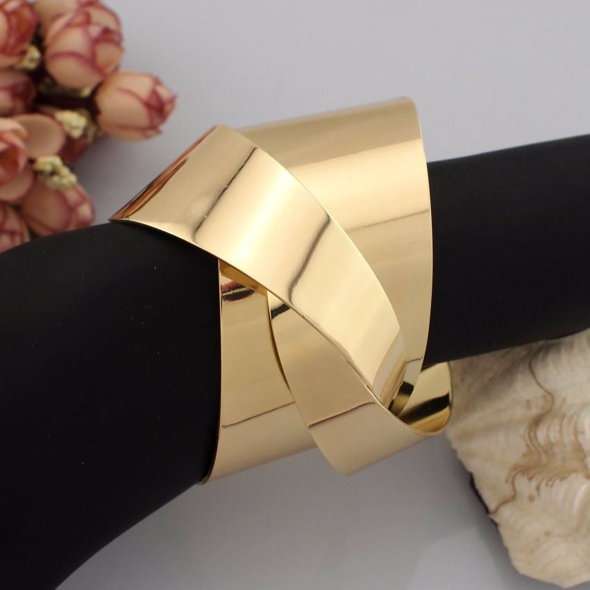 Twisted Cuff Vybe - Trendy Vybe Accessories