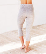 Manduka Essential Capri - Feather Grey Melange