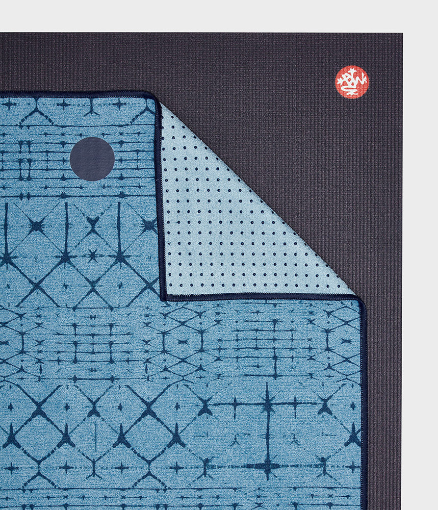 Manduka Yogitoes Skidless Yoga Mat Towel - Star Dye Clear Blue 2.0