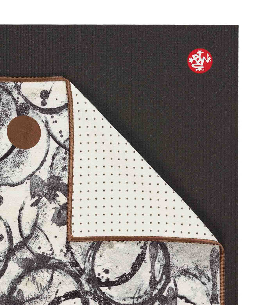 Manduka Yogitoes Towel - Enso Ink 2.0