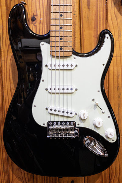 SUHR CLASSIC LANDAU CUSTOM STRAT BLACK PRE-LOVED