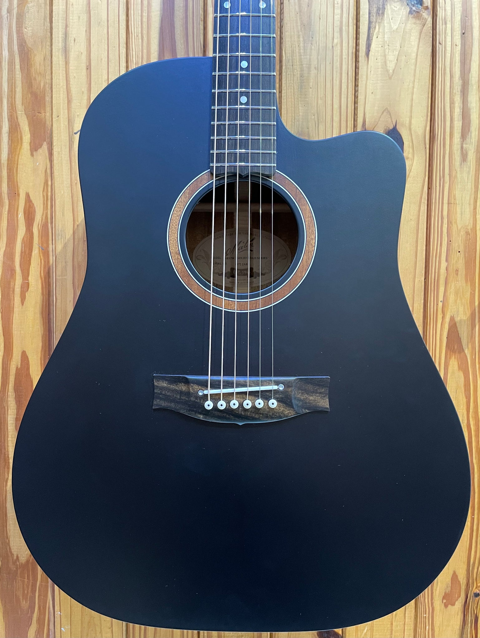 MATON SRS70C - SOLID ROAD SERIES DREADNOUGHT CUTAWAY - SATIN BLACK