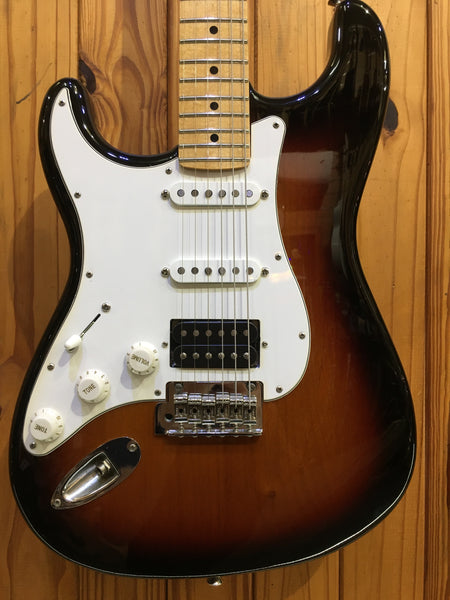 FENDER PLAYER STRAT MN HSS - 3-TONE SUNBURST LEFT-HANDED
